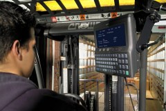 Order picking control panel for precise order picking