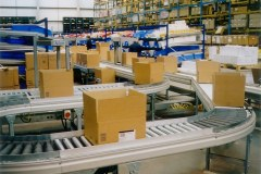 Warehouse management system transporting parcels around the warehouse quickly